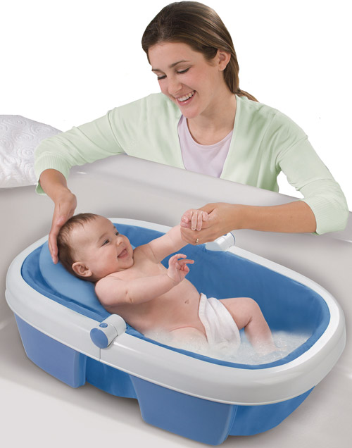 Giving your Newborn a Bath Made Easier Through the use of Baby ...