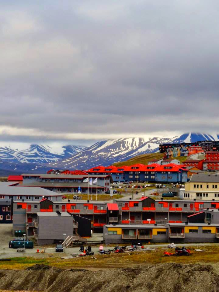 Svalbard Longyearbyen colourful houses