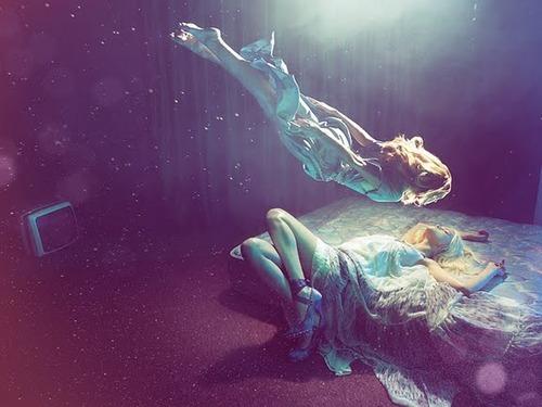 Lucid Dream là gì? & Cách thực hiện Giấc mơ sáng suốt