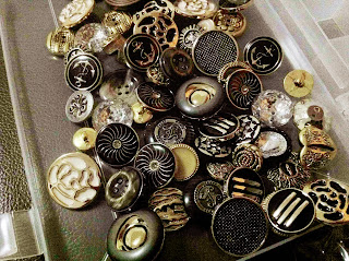 vintage-buttons-malacca