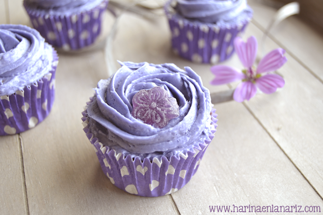 Cupcake violeta por dentro