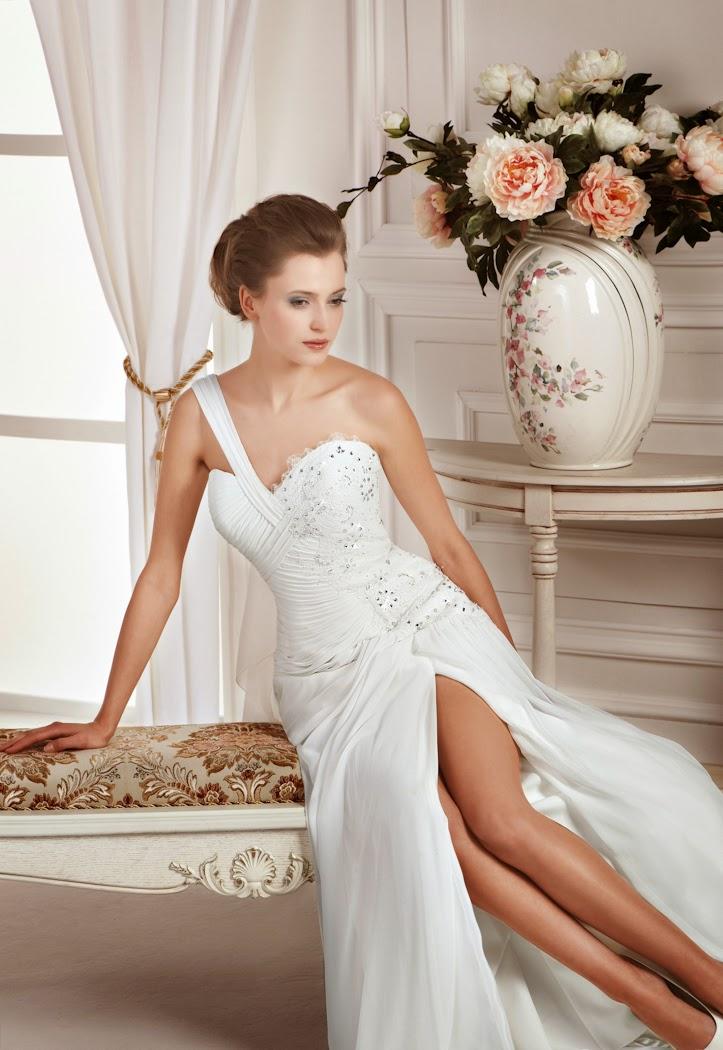 Griechische Göttin Brautkleid aus Chiffon mit Schlitz und einem Träger. Brautkleid leicht.