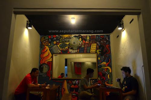 Tukutosu, Kedai Angkringan Indoor