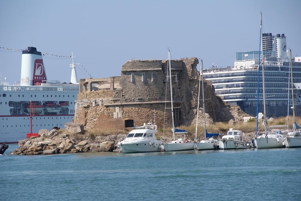 Civitavecchia italy pictures and videos and news - Rome civitavecchia italy cruise port ...