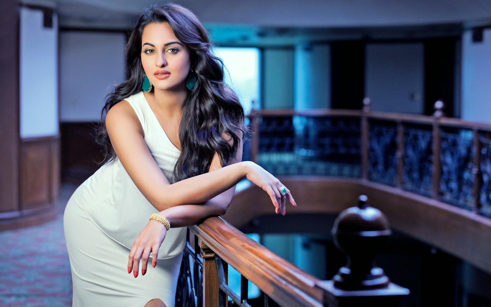 Sonakshi Sinha Indian Actress HD Full Hot Photos