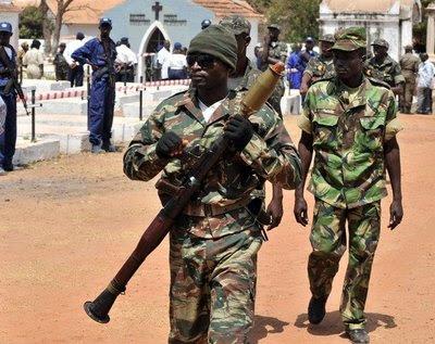 Manifestação na CNE na Guiné-Bissau acaba com confrontos entre polícias e militares