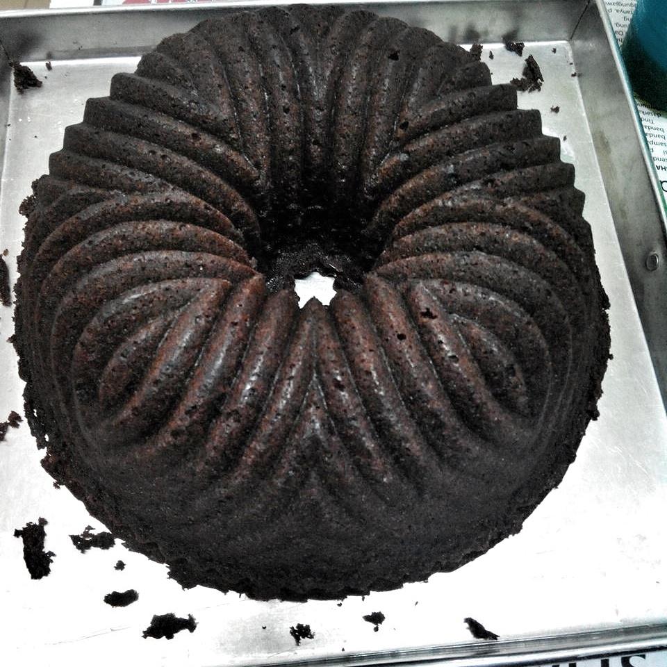 Chocolate Sour Cream Pound Cake Rima