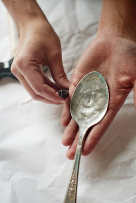Spoon+5 DIY Wedding Ideas: Hammered Spoon Escort Cards