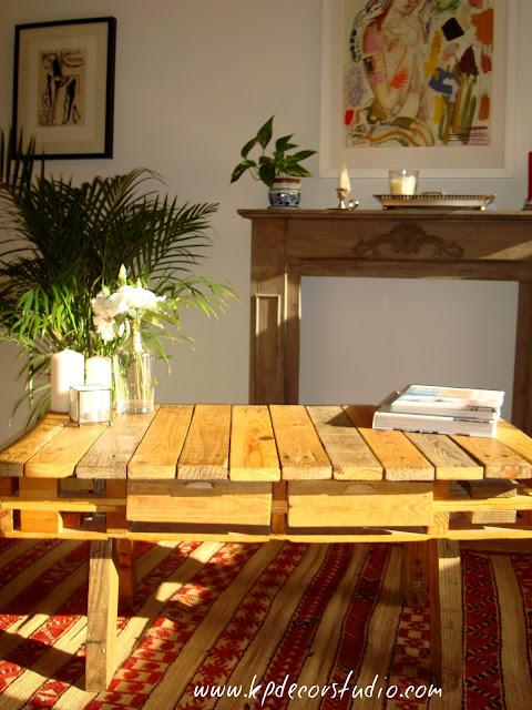 mesa de palet para decoracion nordica hecha a mano y decorar con muebles y madera reciclada
