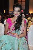 Deeksha Panth new dazzling pics-thumbnail-18