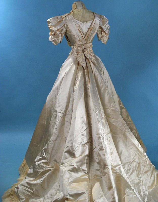 All The Pretty Dresses: Edwardian Wedding Gown
