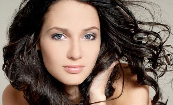 El medio para la defensa de los cabello de las altas temperaturas