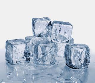 Doyan Minum Air Es Bikin Orang Cepat Gemuk?