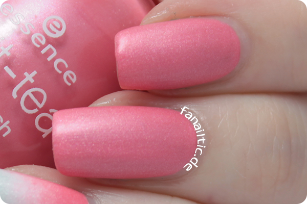 "essence ""pink to go"" brit-tea LE"