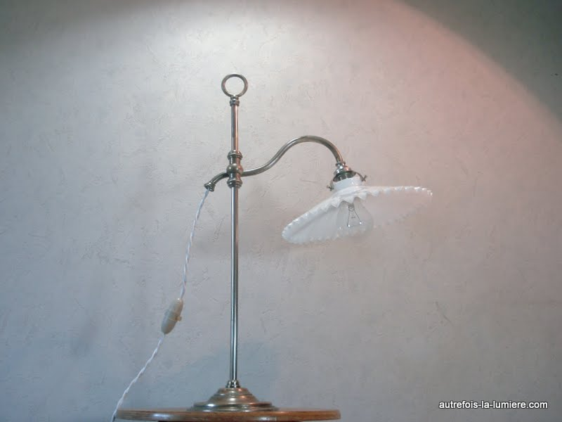 Populaire Lampe de table sur pied JM94