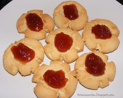 Biscoitos com Geleia de Uva
