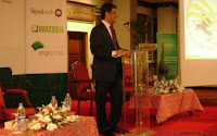 Naeem Zamindar delivering his speech at the INSEAD Alumni Event