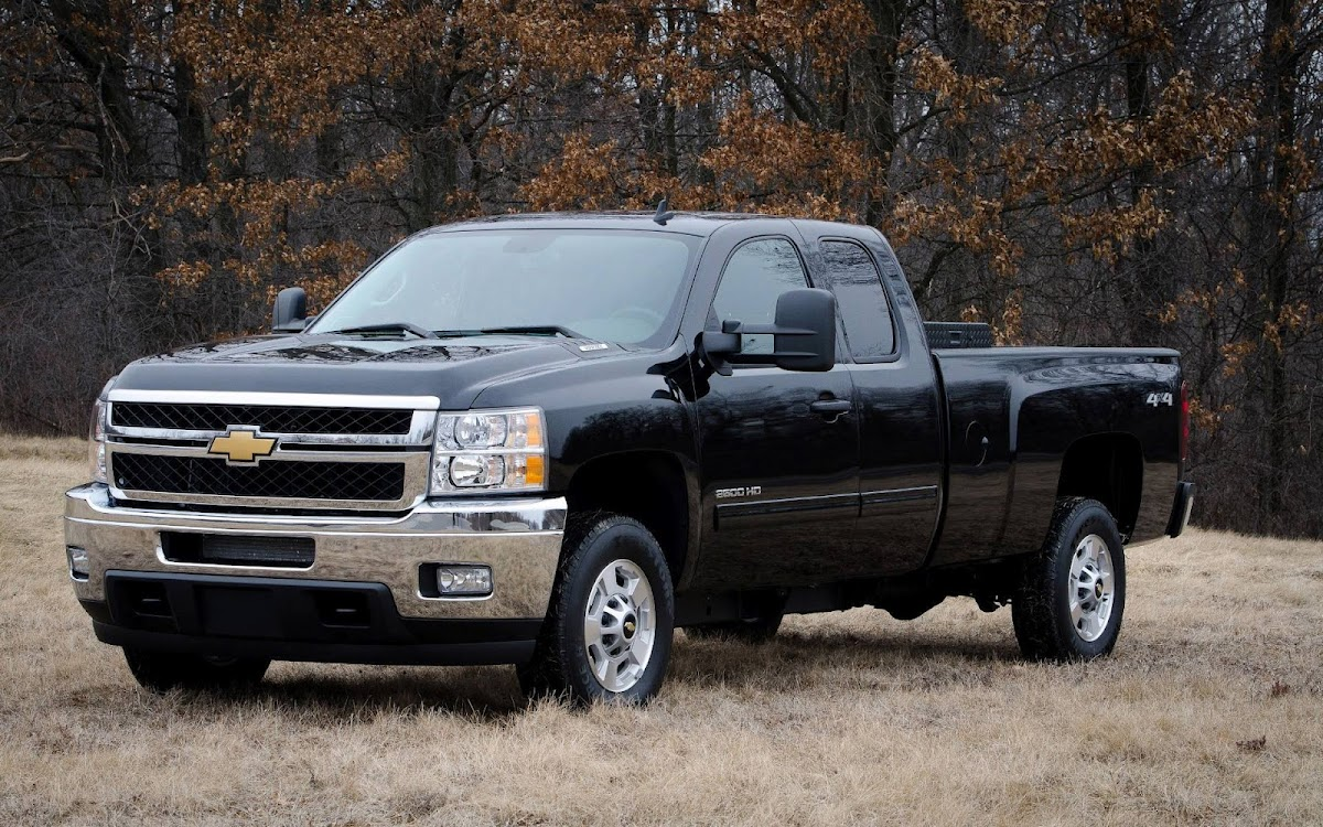 2013 Chevrolet Silverado Widescreen HD Wallpaper