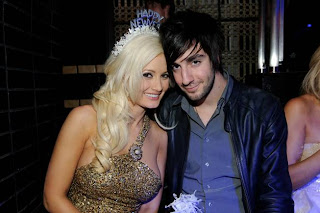 how did holly madison meet pasquale rotella twitter