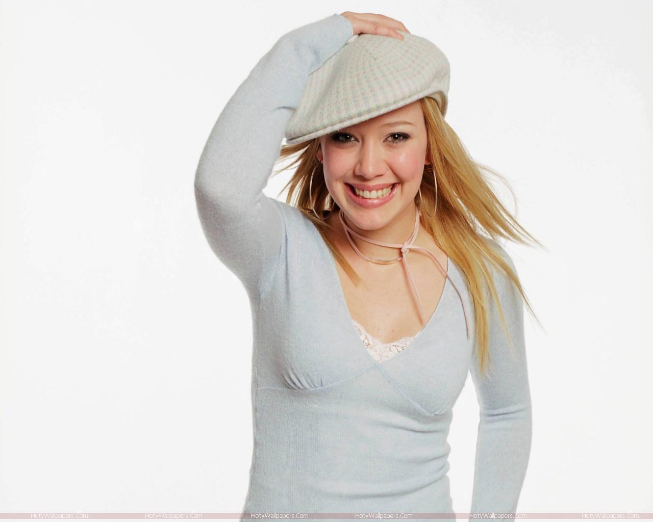 http://4.bp.blogspot.com/-fnNA6r1kmxY/TmTxGTgUIDI/AAAAAAAAKUo/1ocHvR33JVQ/s1600/Hilary_Duff_wallpaper.jpg
