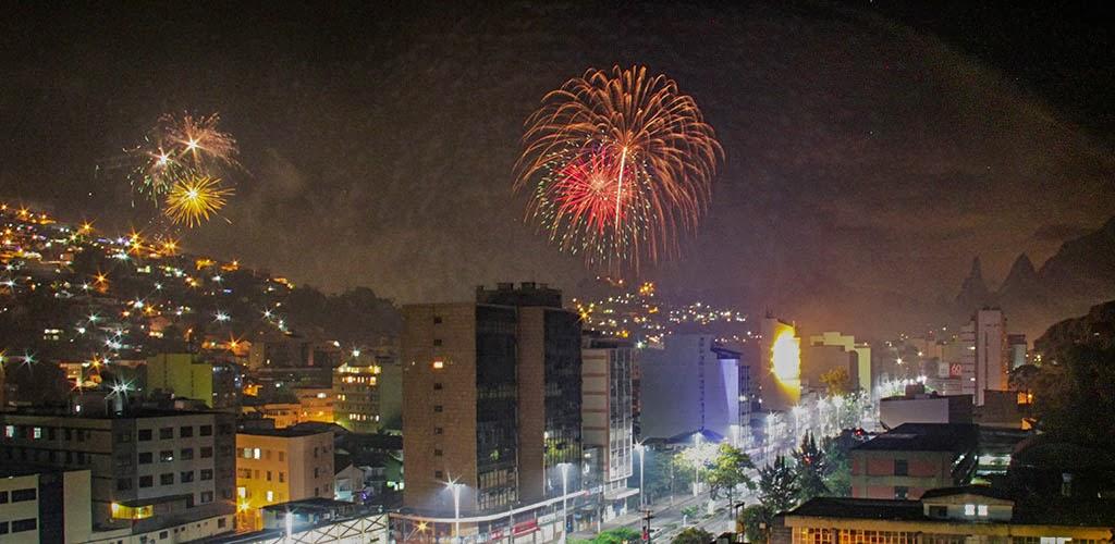 Shows e queima de fogos marcam a virada de ano em Teresópolis
