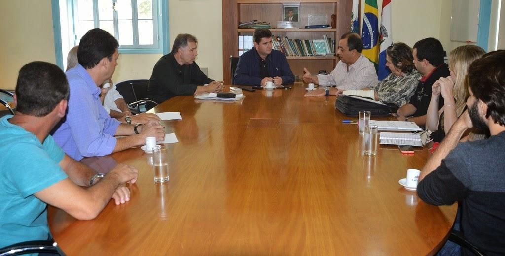 Estado e Município definem questões relativas à entrega das primeiras 250 unidades habitacionais da Fazenda Ermitage
