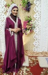 Gamis Ashanty - Model Baju Para Artis Selebritis