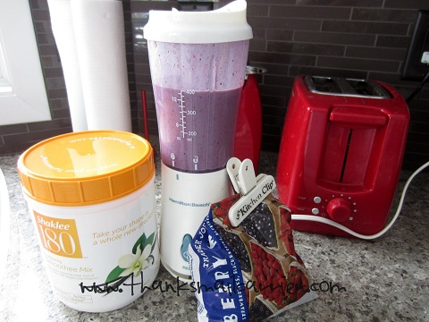 Shaklee 180 berry smoothee