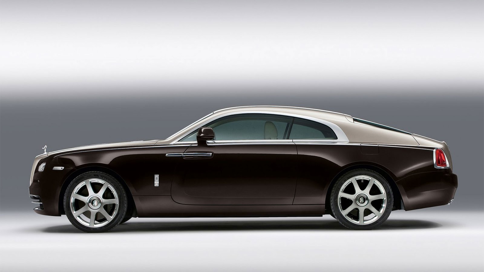car bike fanatics exclusive new pictures of the rolls royce wraith. Black Bedroom Furniture Sets. Home Design Ideas