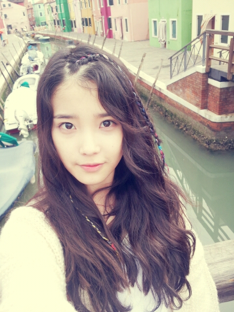 PICTURE IU Shares A Photo From Venice Daily K Pop News