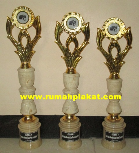 piala award, trophy award, bikin piala, 0856.4578.4363, www.rumahplakat.com