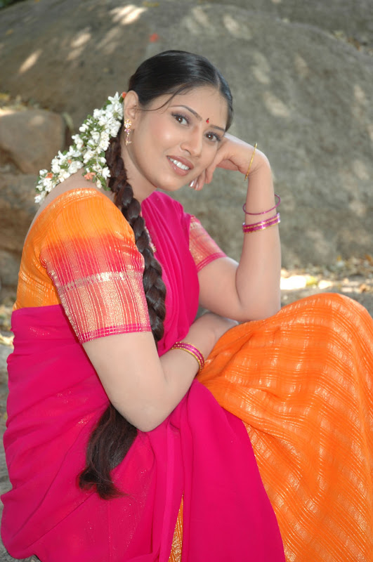 Tollywood Actress Sanghavi Half Saree Photos unseen pics