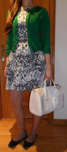 http://4.bp.blogspot.com/-fo4QMGkGBMw/Uat-iNeewOI/AAAAAAAADf0/y60uMyaB0RY/s1600/vestido+verde.jpg