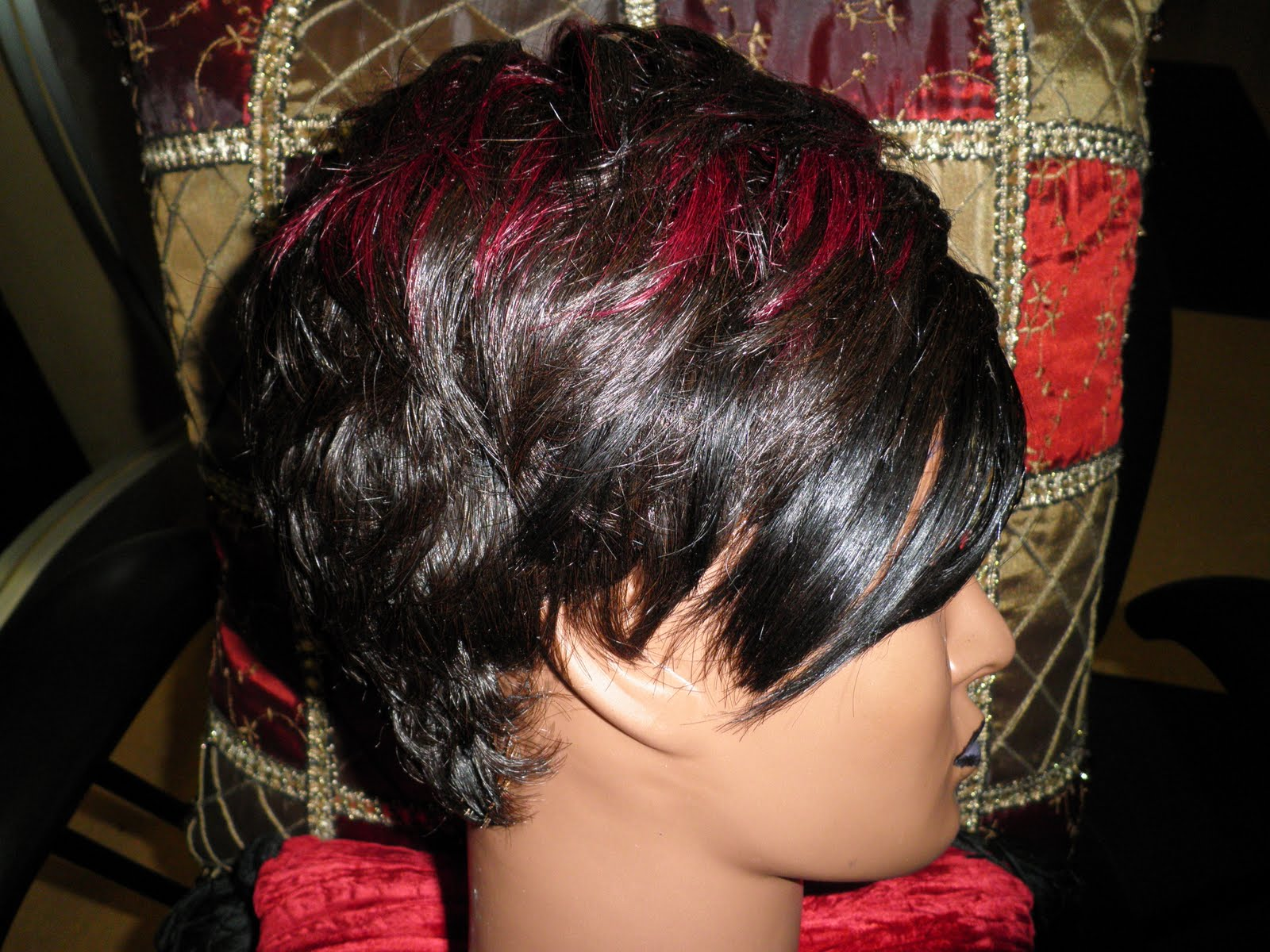 Quick Weave Mohawk Styles http://phenomenalhair.blogspot.com/2011/09/new-look-at-27-piece-quick-weave.html