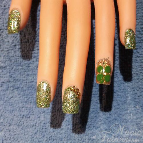 Glittery Acrylic Nails with Inlaid Acrylic Clover
