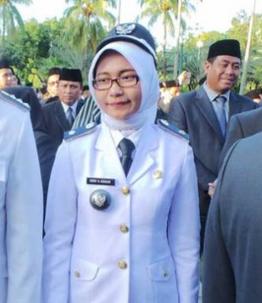 Lurah Termuda Di Jakarta Debby Novita