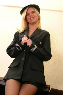 Sexy Pussy - sexygirl-Police_Woman_wow_what_a_truncheon_DSCF0568-772902.jpg