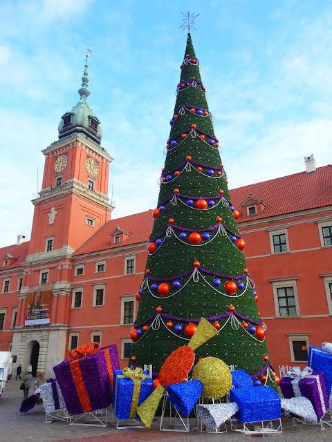 Choinka bożonarodzeniowa 2012 na Placu Zamkowym w Warszawie