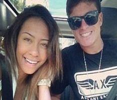 Irmã de Neymar namora jogador do Santos