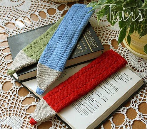Twins Knitting Pattern MiniShop: Crayon Bookmark - free knitting pattern