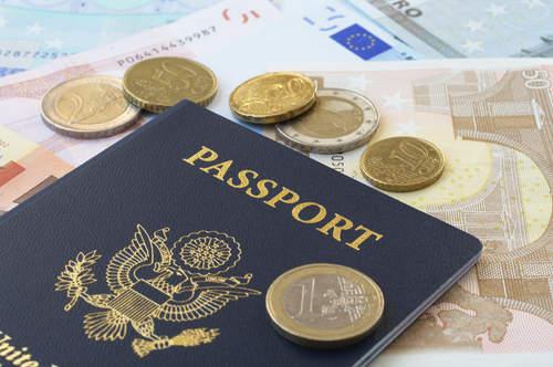tips berpergian ke luar negeri