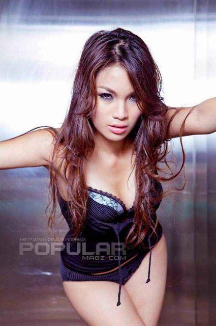 Maria Magdalena, Foto Model Majalah Popular Terbaru Juli 2013