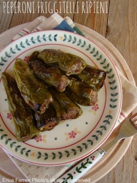 Peperoni friggitelli ripieni con carne