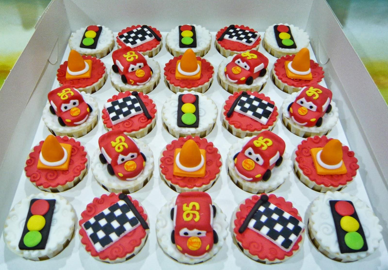 Jenn Cupcakes Muffins Lightning McQueen Cupcakes
