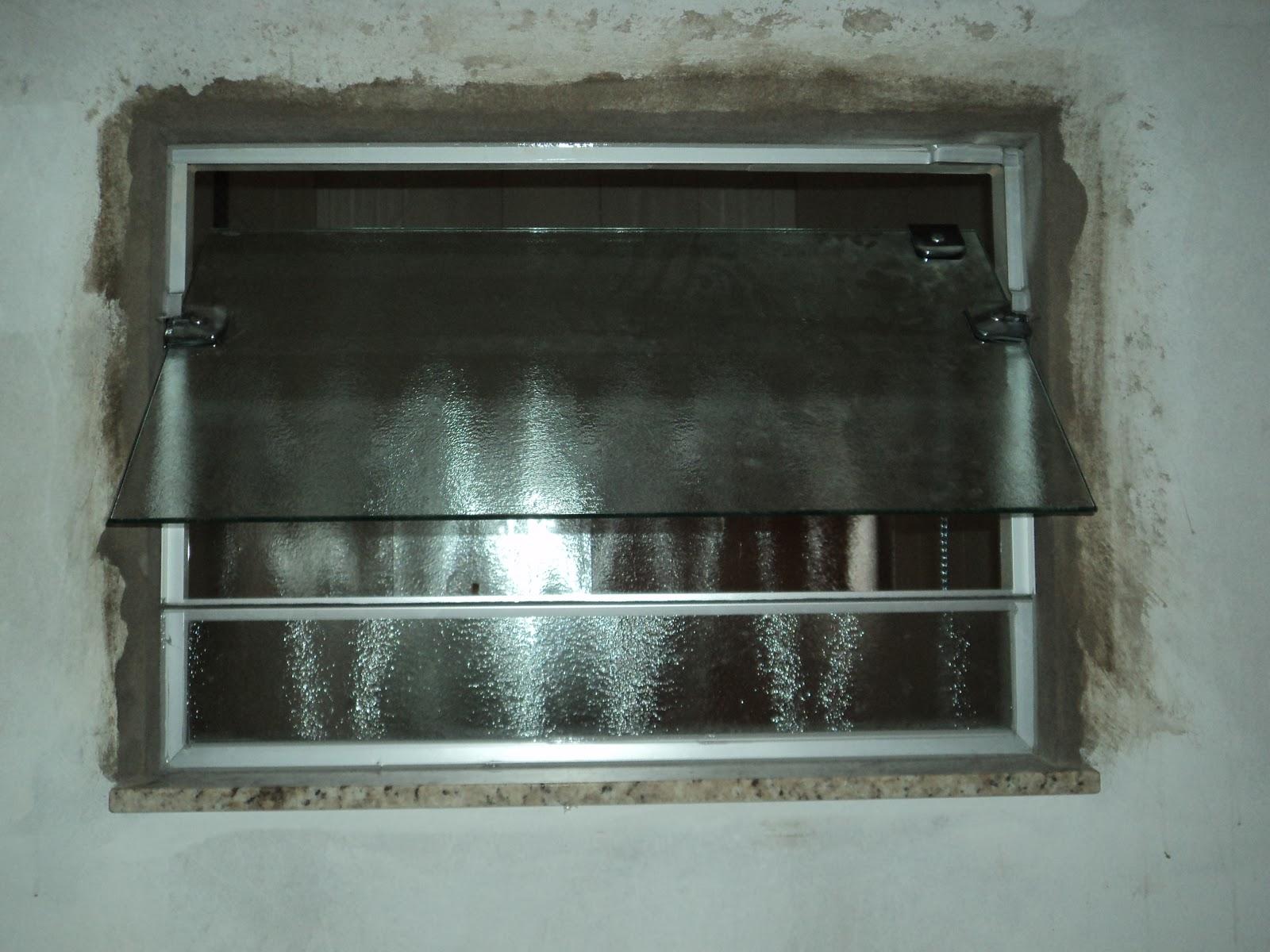 #527974 Box e Janela do Wc em vidro Antílope 08mm janela no sistema  1696 Janela De Aluminio Na Cor Bronze