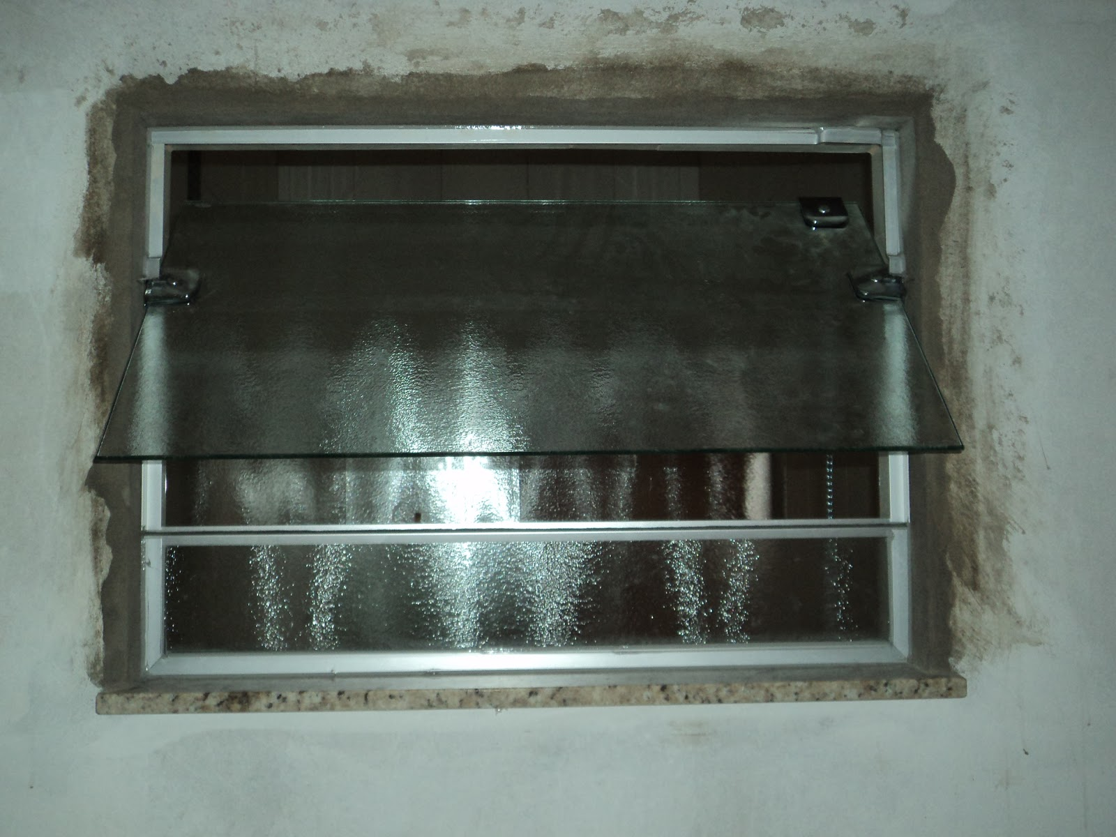 #527974 Box e Janela do Wc em vidro Antílope 08mm janela no sistema  184 Janelas De Vidro Na Potiguar