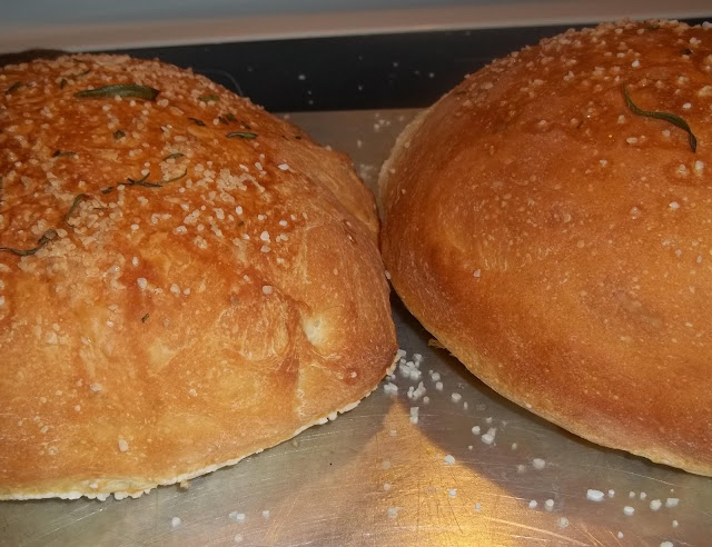 THE BLESSED HEARTH: Another no knead bread..... so easy and good...