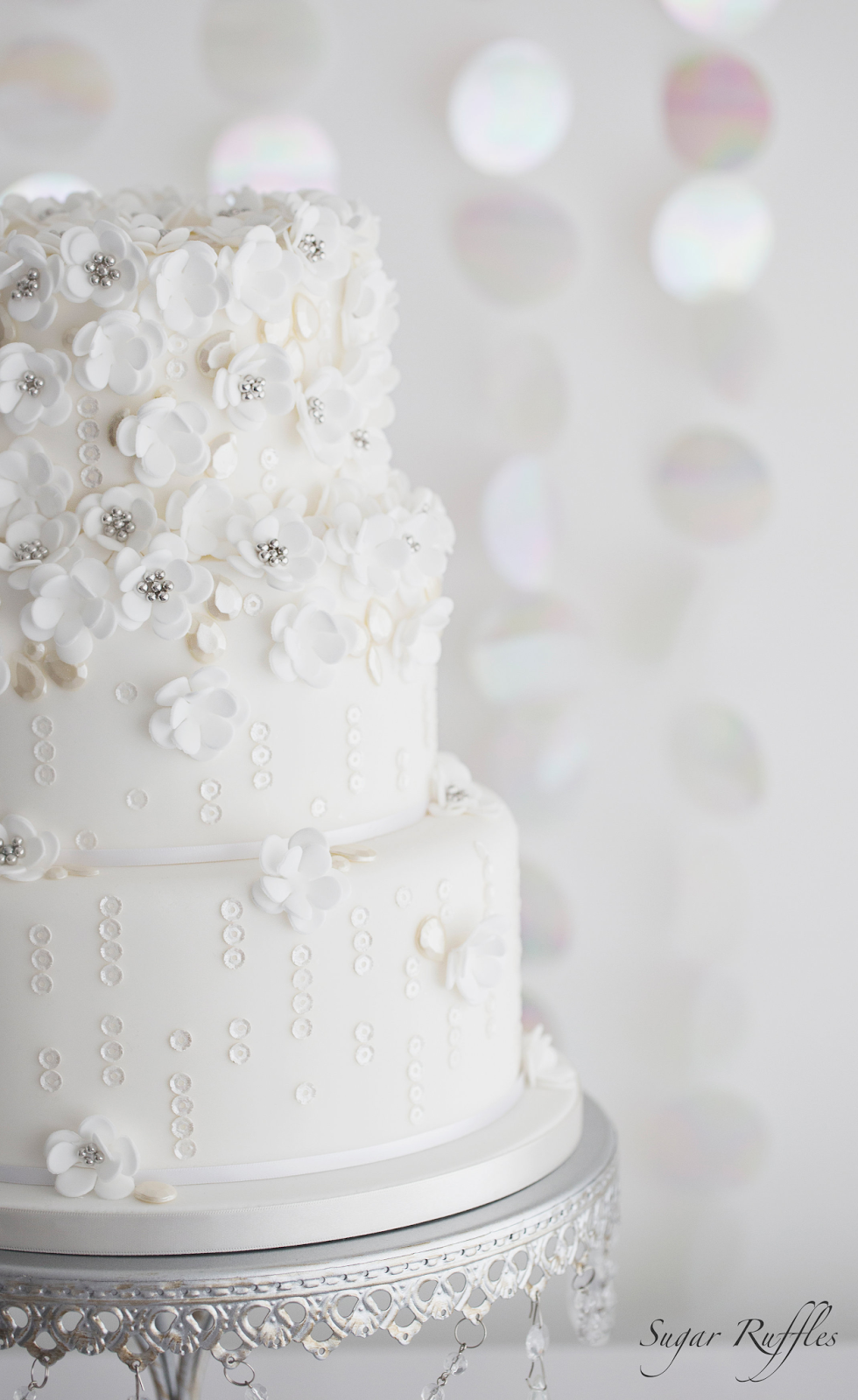 Wedding Cakes & Sugar Flowers-The fashion inspiration issue