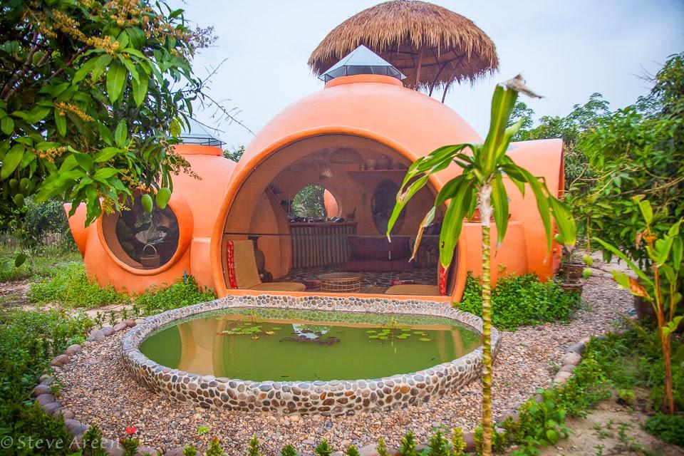 14-Side-View-Steve-Areen-Hajjar-Gibran-Dome-House-Design-www-designstack-co