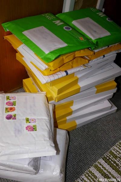 julklappar, paket, post, brev, hög